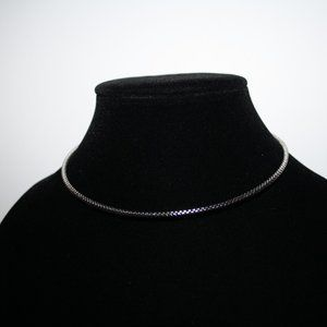 Vintagejelyfish Jewelry - Beautiful silver coil necklace choker 17""